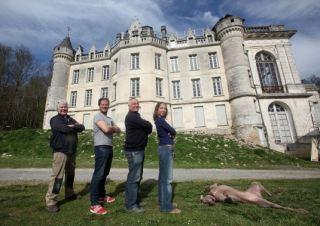 De droite à gauche: Coralie Monnereau, Didier Jobit, Thomas Tréguer et Georges Mesnard. Toutes générations et toutes passions réunies pour la sauvegarde et l'animation de La Mercerie.